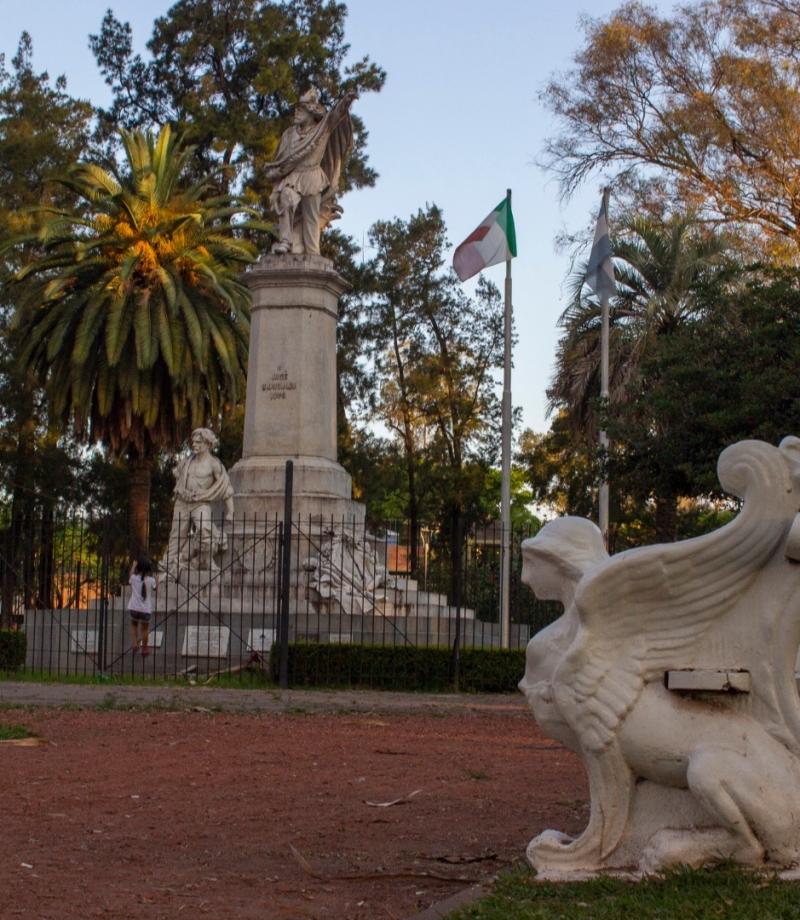 La Plaza Italia